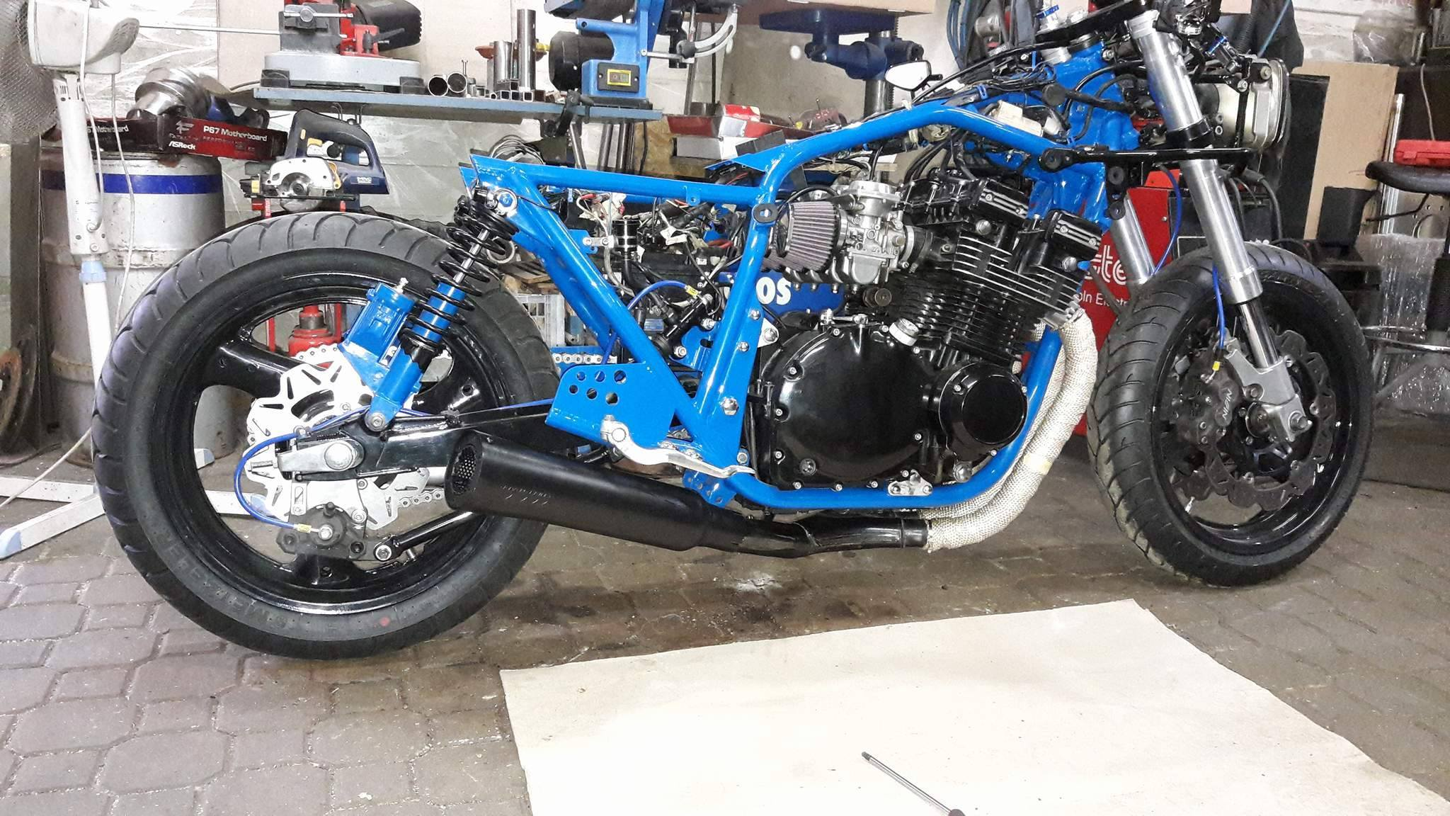 Suzuki GSX750S Katana build