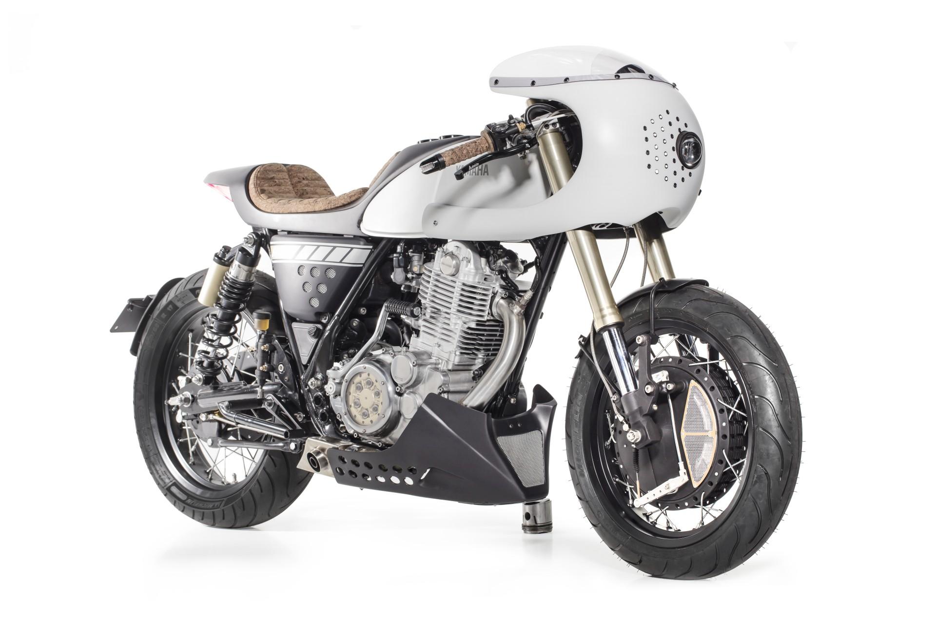 Yamaha SR 400 from Capêlo's Garage