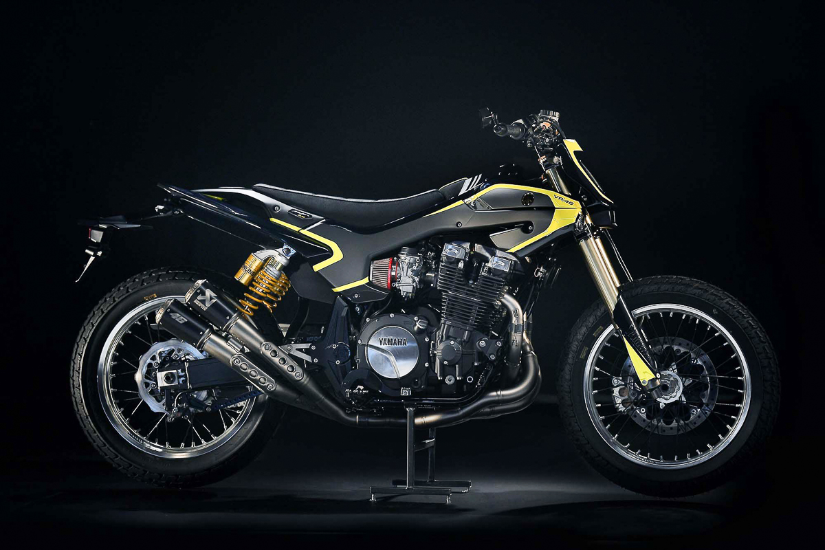 Yamaha XJR1300 flat tracker for Valentino Rossi
