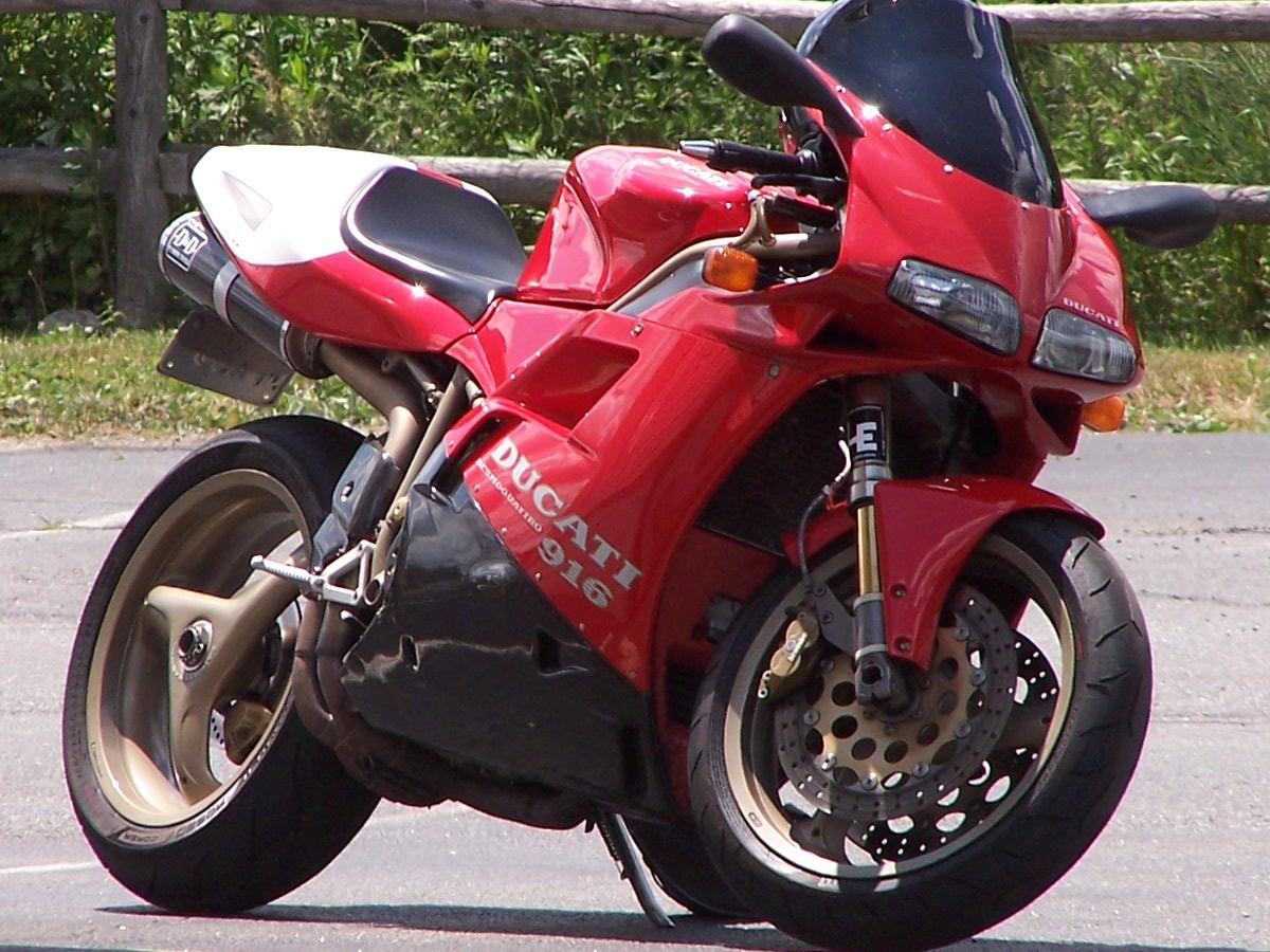 Ducati 916 Strada