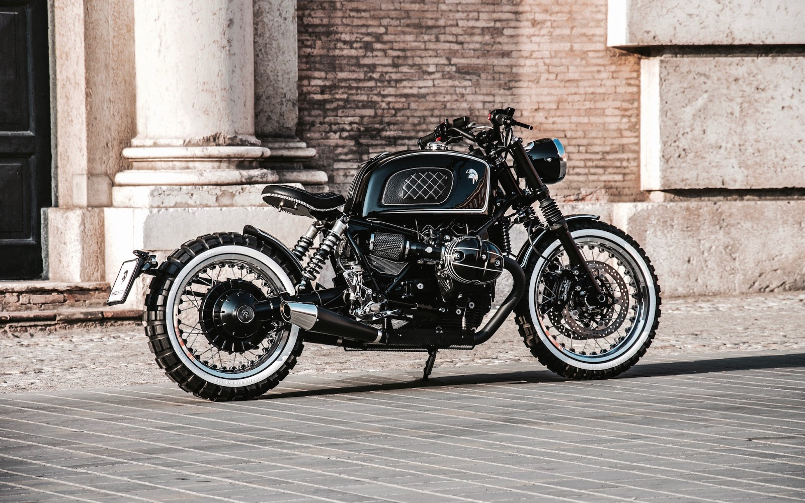 bmw r ninet retro scrambler by ares design. Black Bedroom Furniture Sets. Home Design Ideas