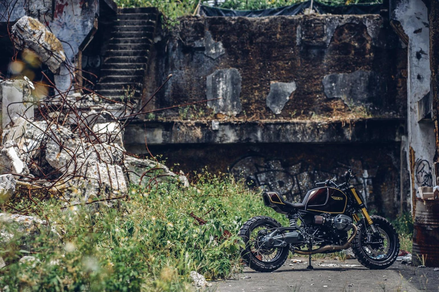 "BMW R NineT ""Snickers"" by Onehandmade"