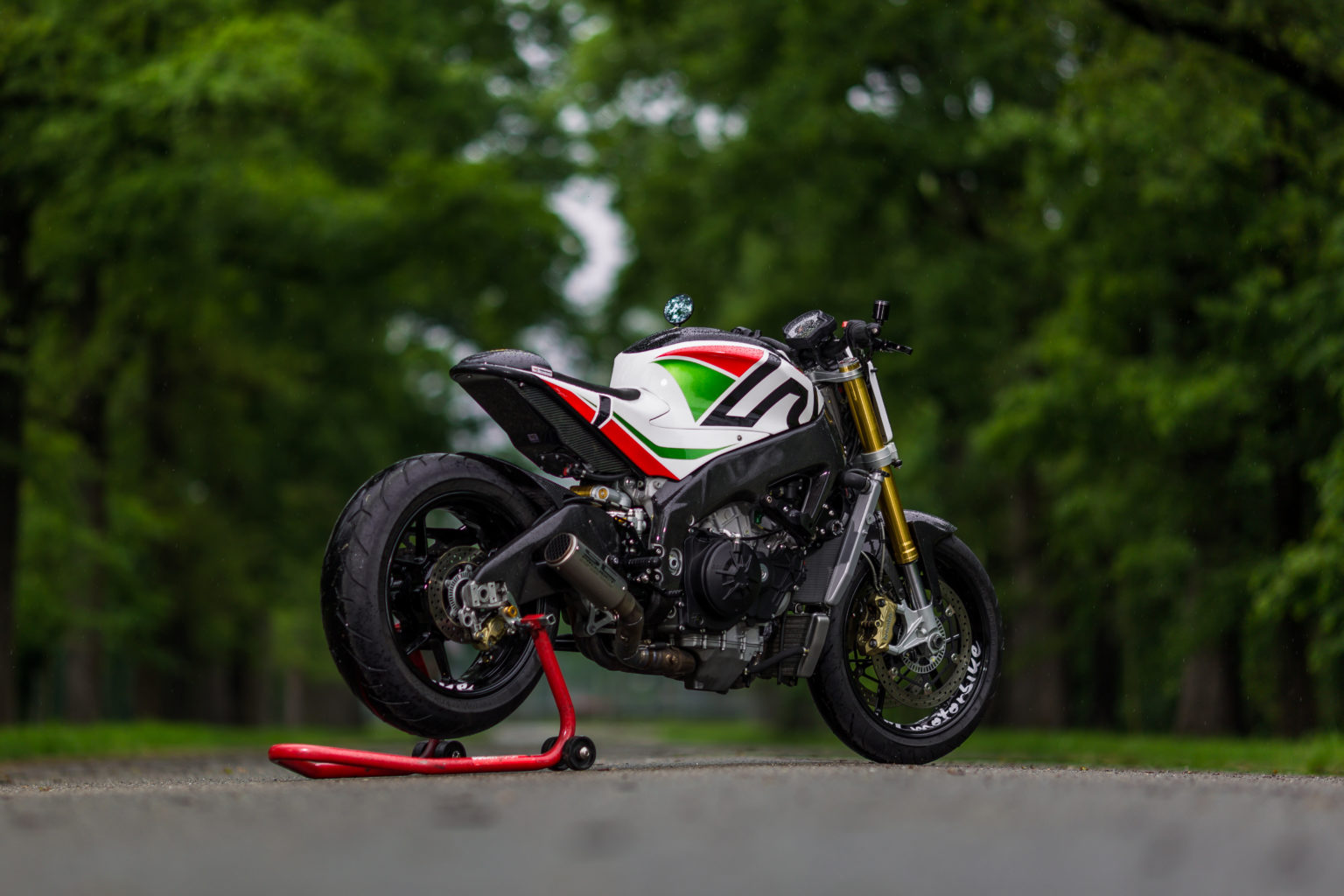 Aprilia Tuono APRC by P.M. Motorbike Garage Customizations